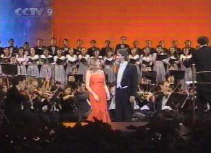 Bejing 15. 10. 2004 mit Paola Sanguinetti, video stills from CCTV9, Chinese TV