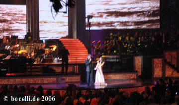 Los Angeles, JCPenney Jam, June 14, 2006, together with Katherine McPhee, photo thanks to Motoko!