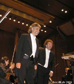 Avery Fisher Hall, New York, Sept. 2006, with Asher Fisch and the New York Philharmonics - thanks to Astrid!